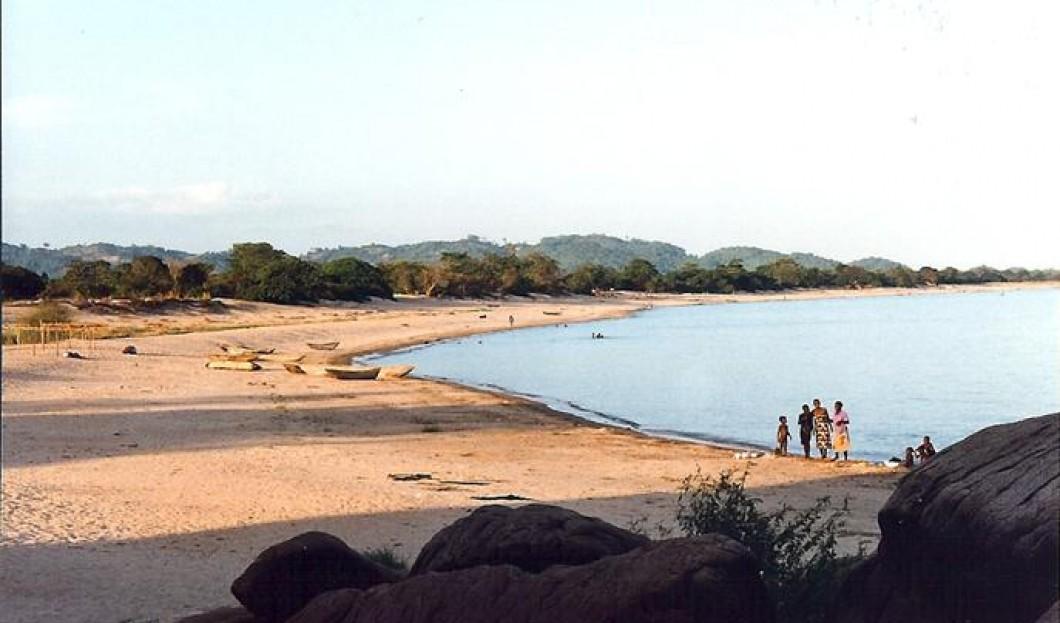 3/ Jezioro Malawi, African Rift Valley
