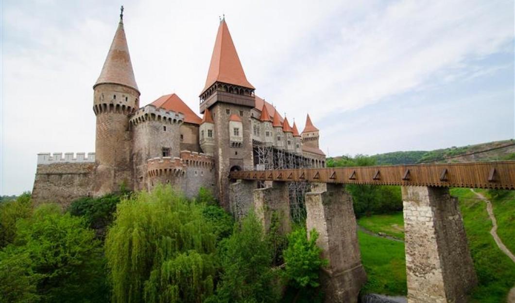 Zamek Hunyard, Rumunia